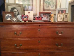 Dresser with Replacement Pull